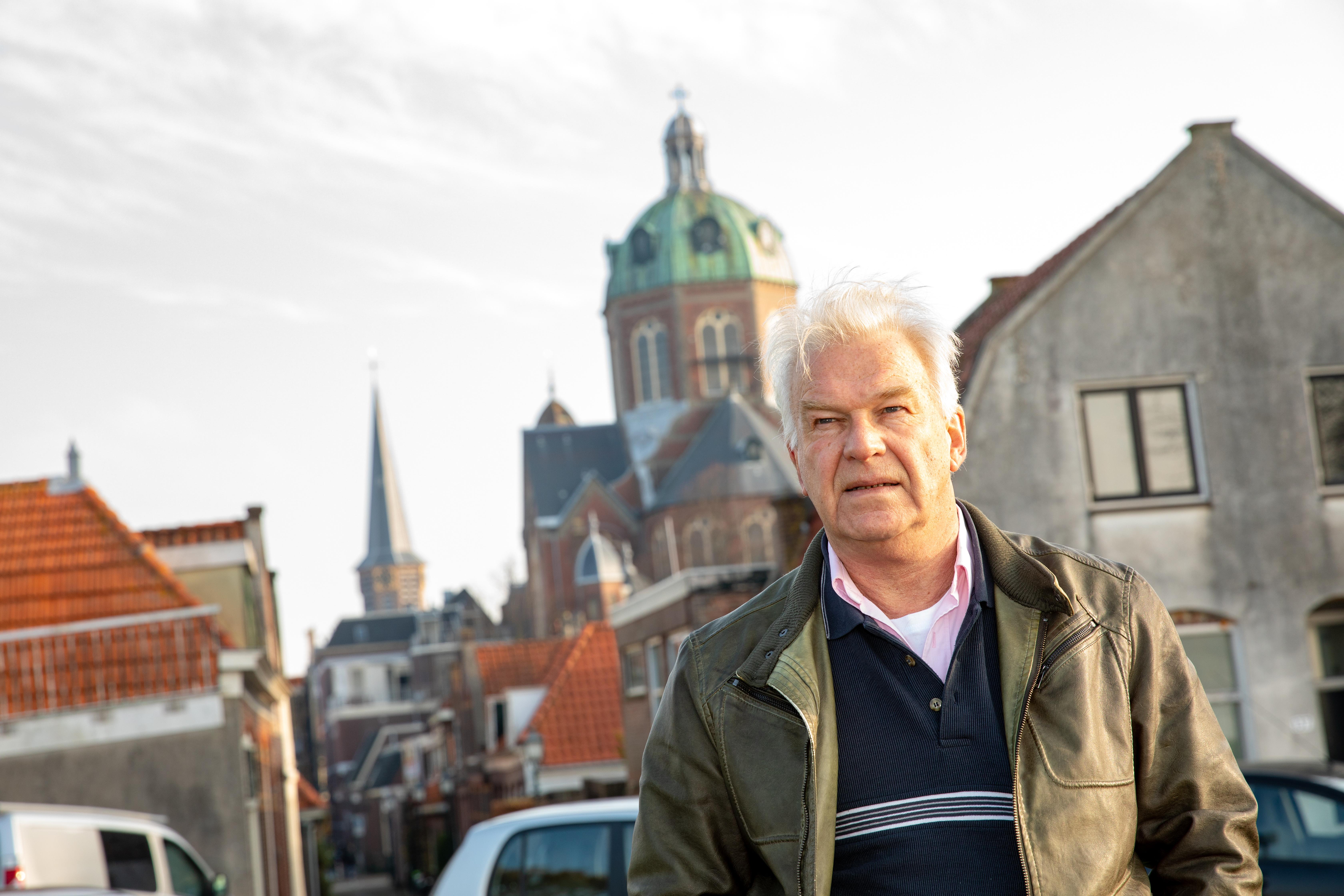 """""""Toen we de spoorwegovergang op de Koepoortsweg overstaken, voelde het alsof we een andere wereld betraden."""" (Foto's: Vincent de Vries/Rodi Media) rodi.nl © rodi"""