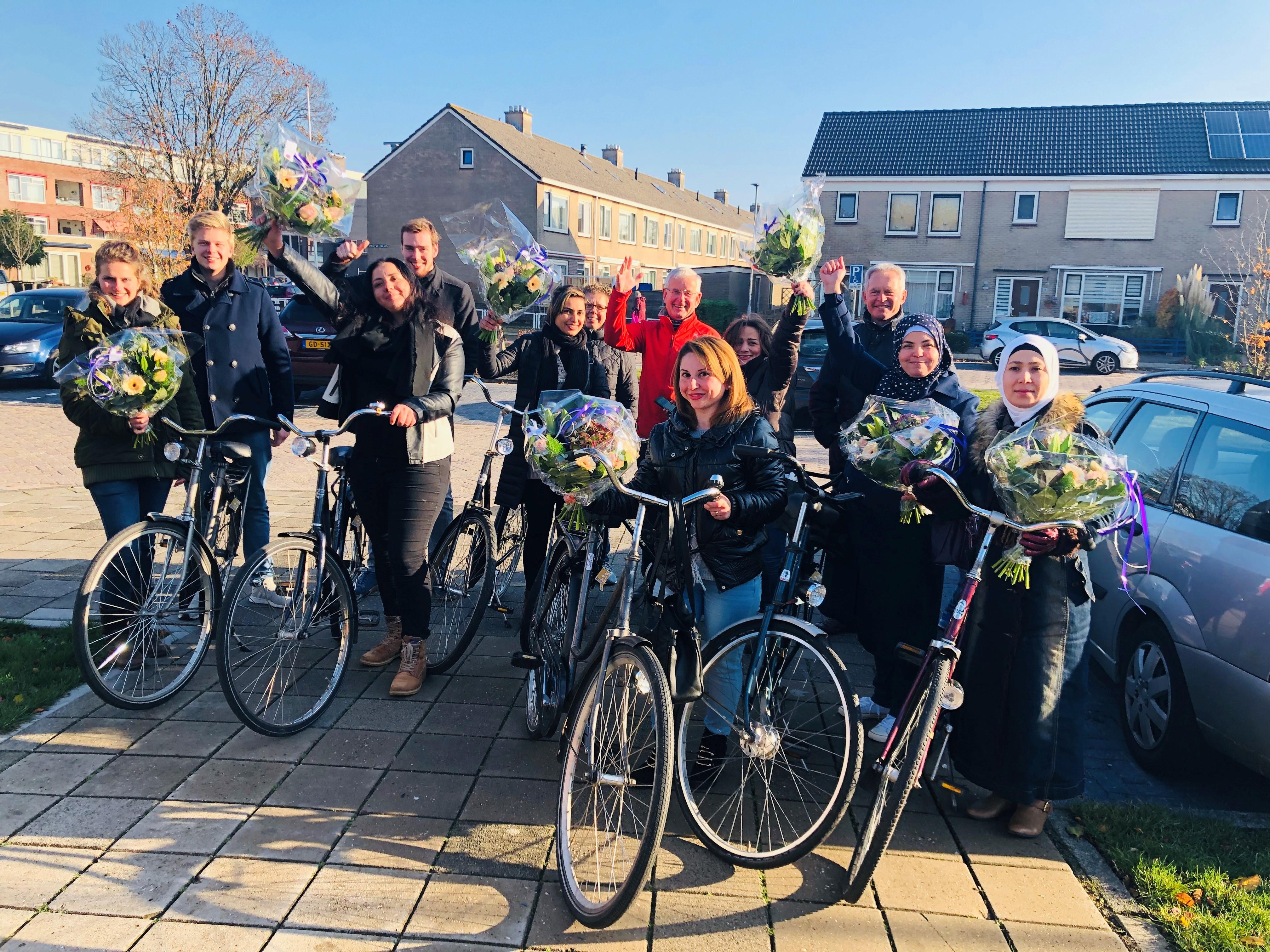 De deelnemers van de fietscursus kregen een fiets cadeau. (Foto: aangeleverd)