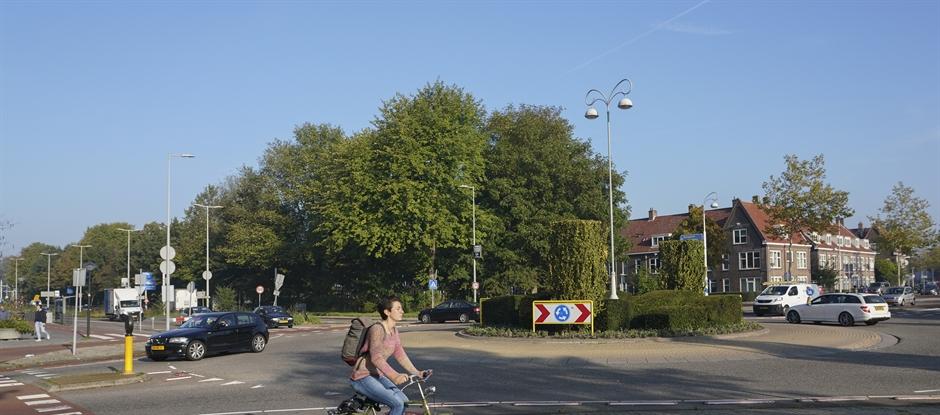 Rotonde bij de Meeuwenlaan. (Foto: gemeente Amsterdam)