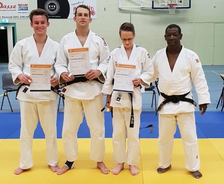 Zwarte band voor judoka's Toradoshi