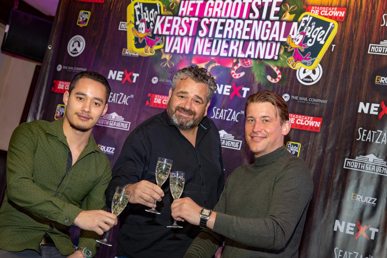 De organisatoren van het Grootste Sterren Kerstgala 2018 in de stemming met v.l.n.r. Jay Moens, Marco Oldenhof en Nick Hiemstra. (Foto: Vincent de Vries/RM)