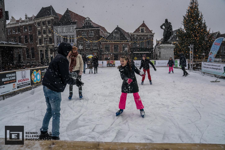 Op en rond de ijsbaan op de Roode Steen zijn 16 december allerlei leuke activiteiten en optredens. (Foto: Benno Ellerbroek)