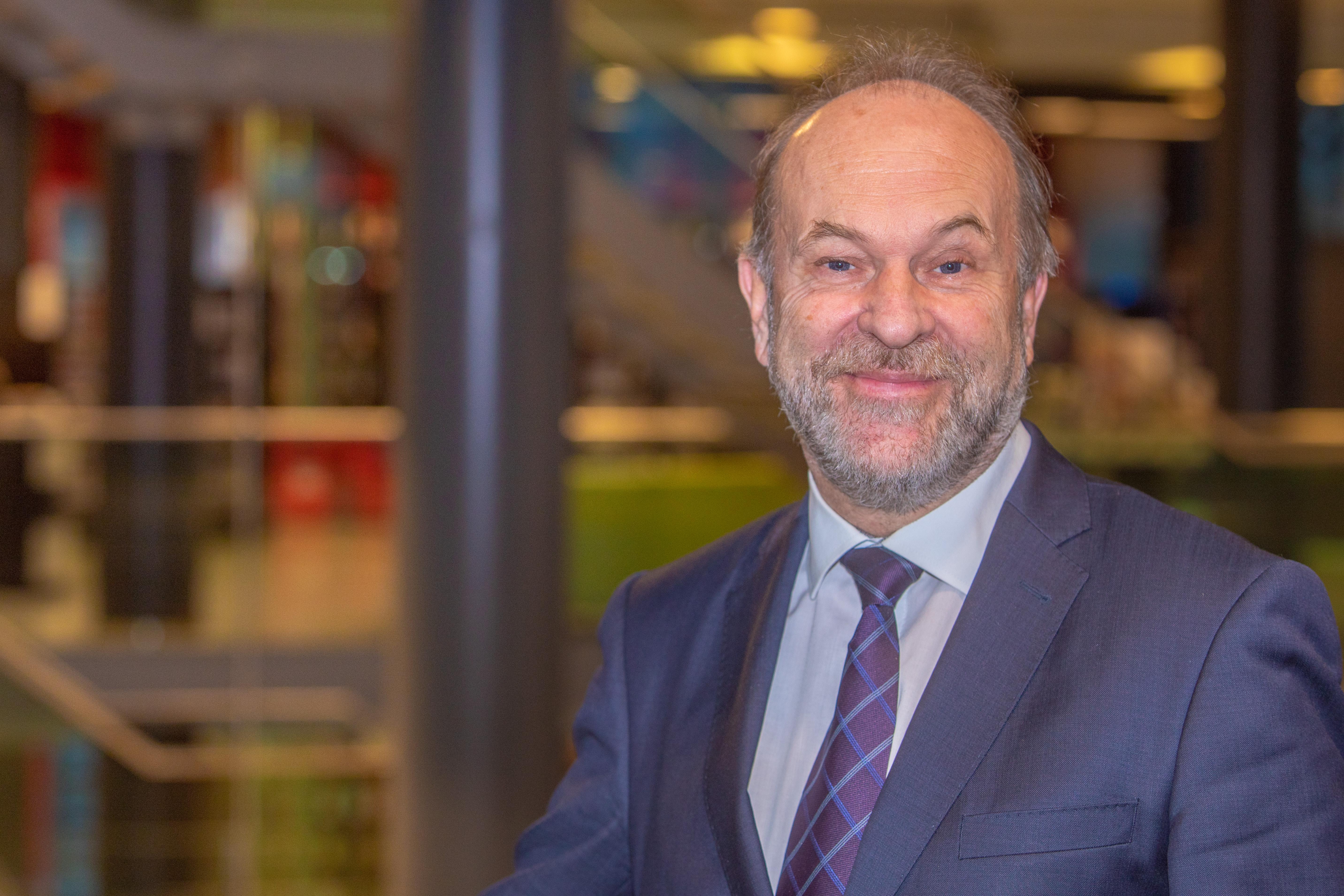 Bert Blase: 'Eén van de doelen voor 2019 is om de samenleving te betrekken bij deze fusie en Langedijkers en Heerhugowaarders stevig aan elkaar te verbinden.' (Foto: Vincent de Vries/ Rodi Media) rodi.nl © rodi