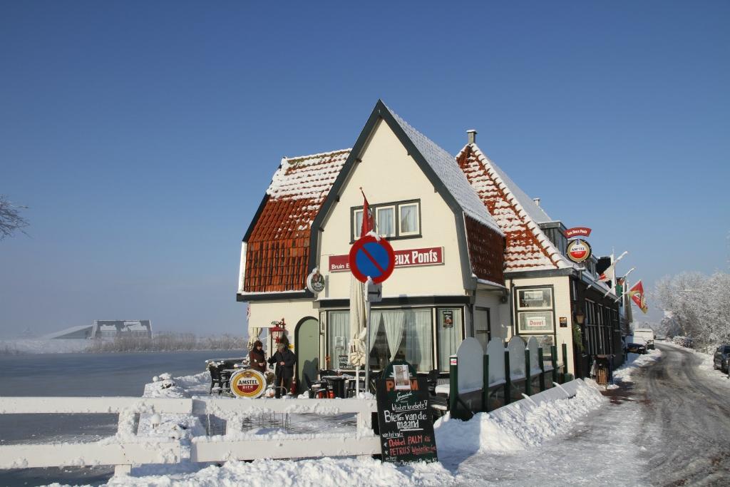 Les Deux Ponts in de sneeuw. (Foto: aangeleverd)