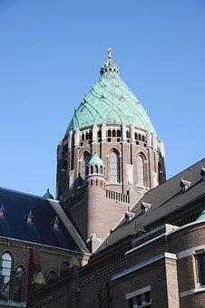 Bisschop Punt draagt na ruim 20 jaar de eindverantwoordelijkheid van zijn bisdom over aan Mgr. dr. Jan Hendriks. ( Foto: Pixabay)