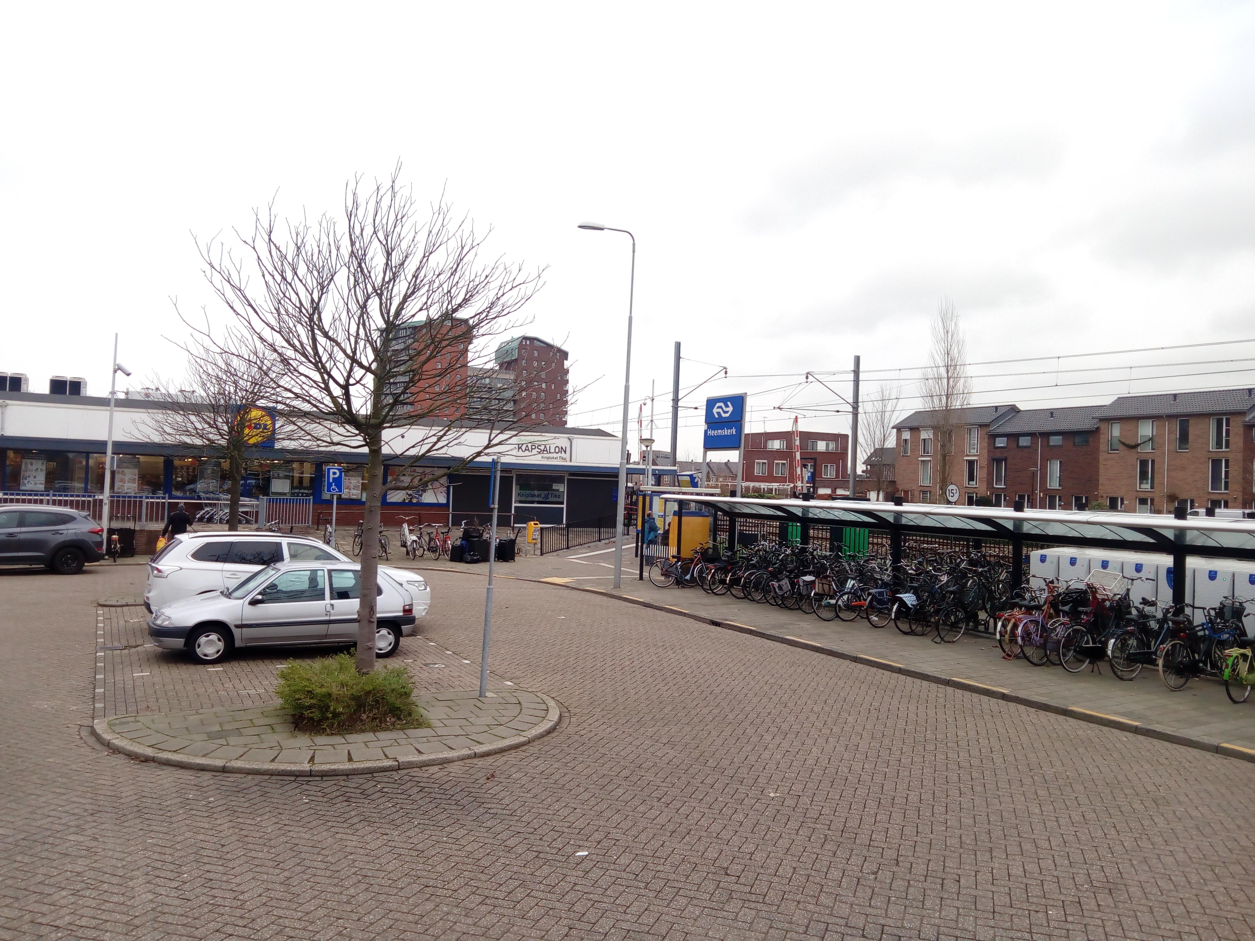 Het NS-station in Heemskerk. (Foto: Bos Media Services)