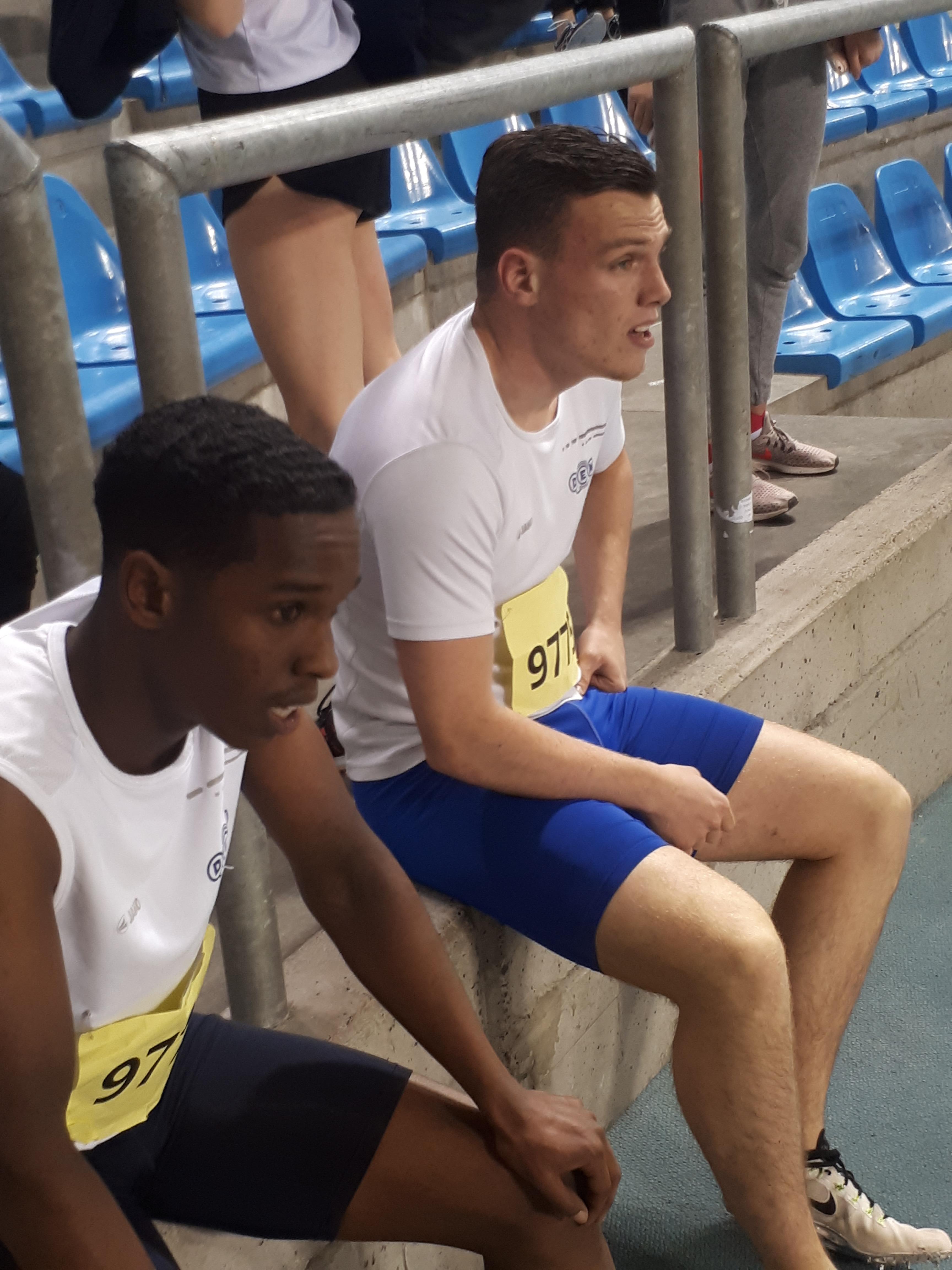 Jamaal Awad en Jordy Kluft uithijgend na hun 300 meter. (Foto: Aangeleverd)