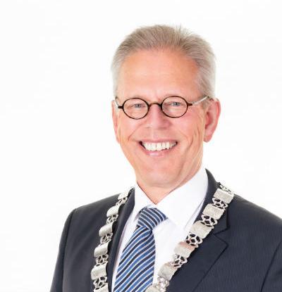 Burgemeester Don Bijl gaat zich de komende weken beraden.