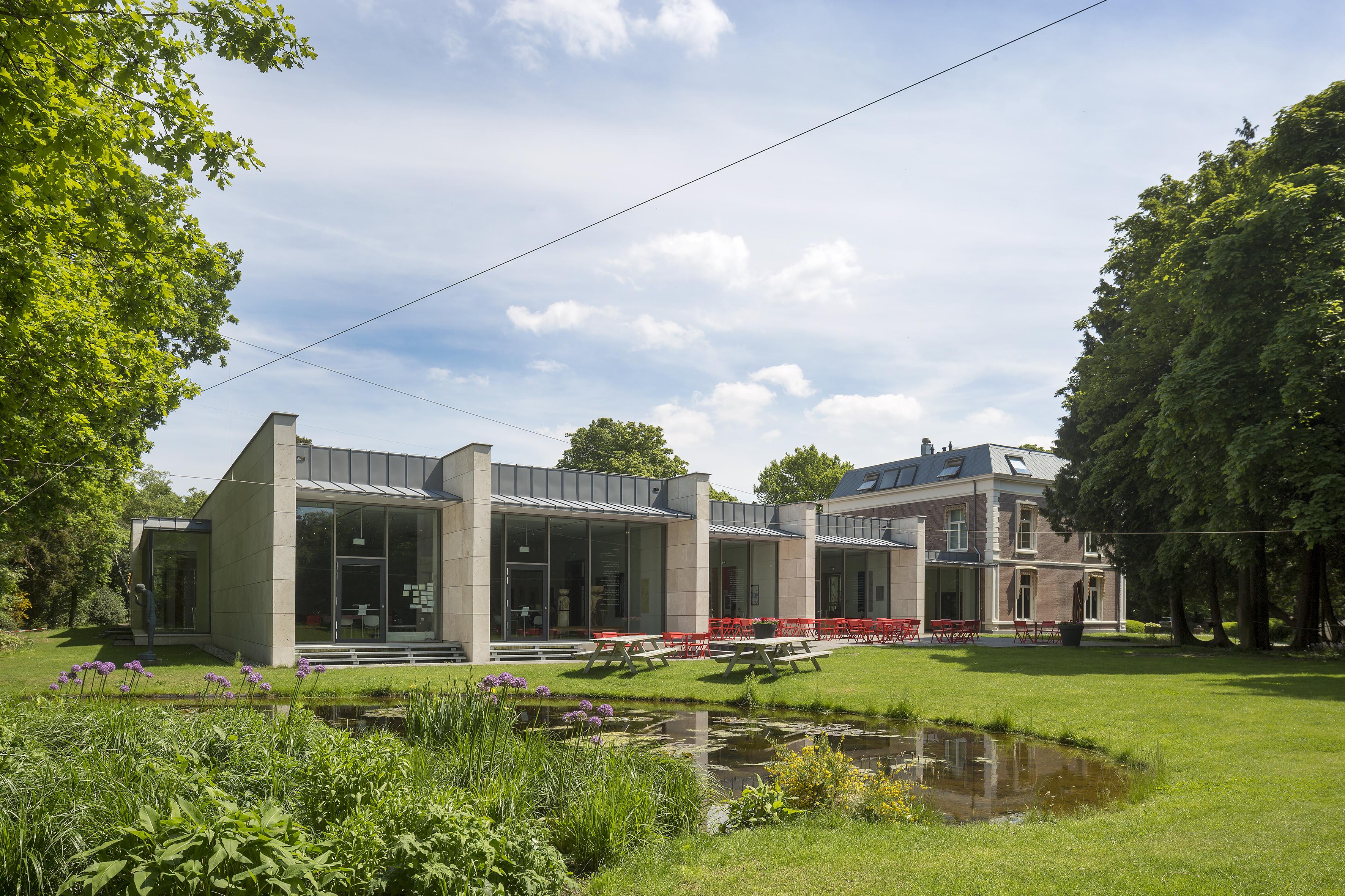 De tuin van Museum Kranenburgh. (Foto: Luuk Kramer)