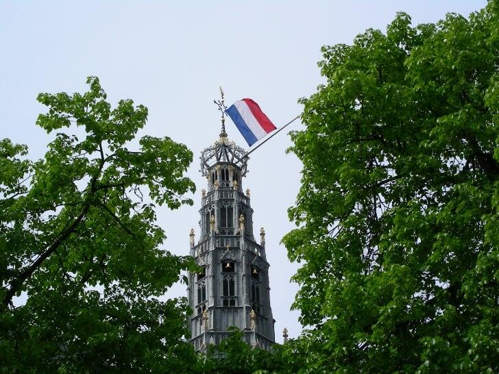 dodenherdenking haarlem halfstok vlag