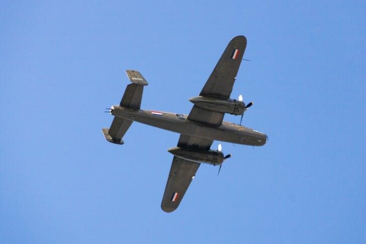 B-25 Mitchell Bommenwerper haarlem bevrijdingsdag 5 mei