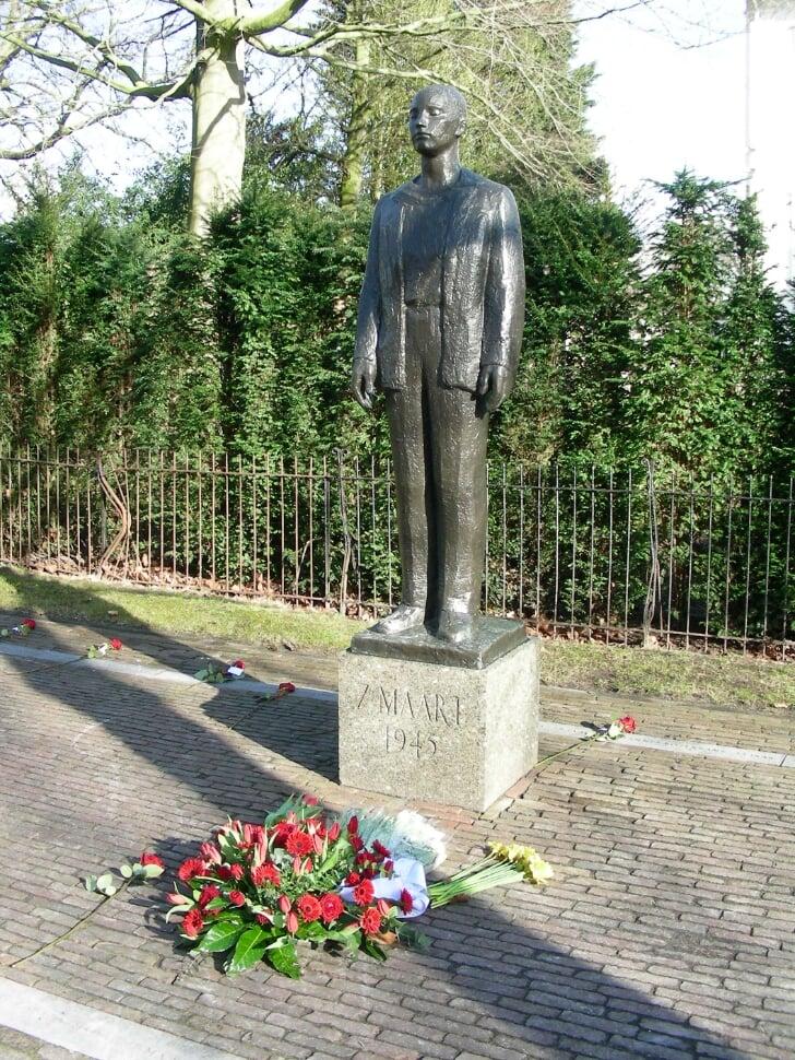 herdenking monument 'Man voor het Vuurpeloton' in Haarlem