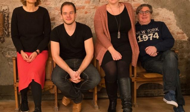"""""""Tjane"""" onderscheidt zich door een mix van oud en nieuw, m.a.w. oude Nederlandse liedjes in een modern jasje"""