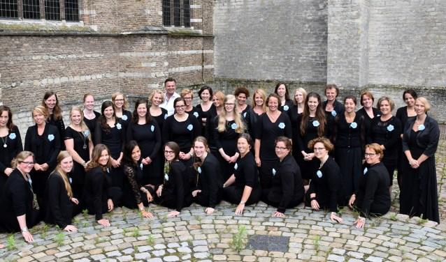 Het koor isop zoek naar nieuwe leden, naar gemotiveerde jonge dames die graag zingen en studeren, en staan voor een uniek repertoire.