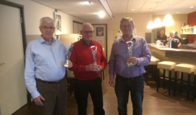 Cor Berkhout, Aad Quak en Wim Pothof haalden het podium in de competitie van koersbalvereniging Westvoorne van 2017.