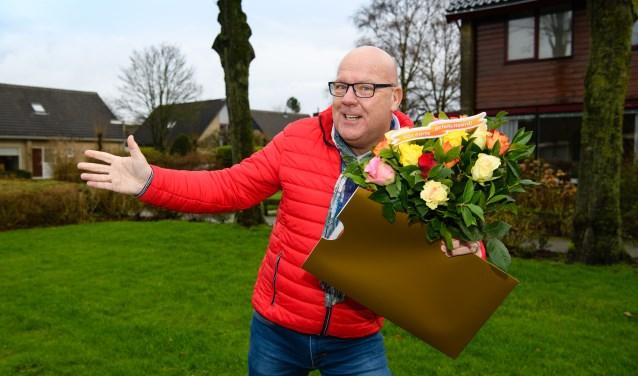Postcode Loterij-ambassadeur Gaston Starreveld verraste de winnaars op nieuwjaarsdag met het mooie nieuws.