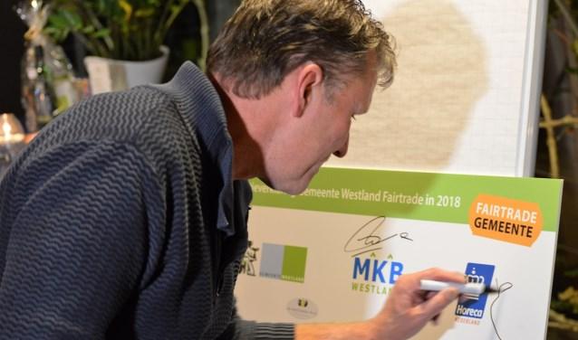 Burgers die als kartrekker willen fungeren binnen het Fairtrade project, kunnen zich melden bij wethouder Zwinkels.  Foto: (WB)