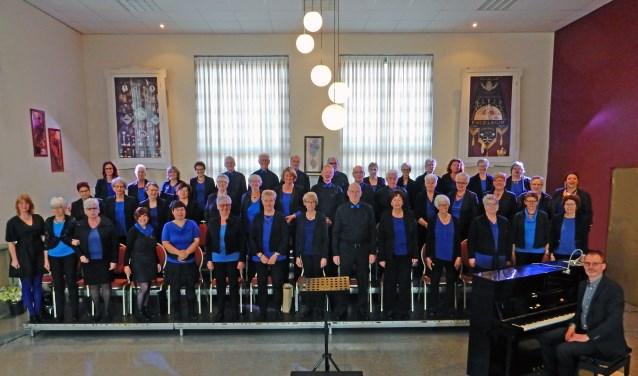 Last van stress tijdens een drukke werkdag? Kom dan op woensdagavond eens langs bij het gemengd koor Excelsior Dirksland.Het 110-jarige koor repeteert van 19.45 uur tot 22.00 uur in de Schakel te Dirksland.