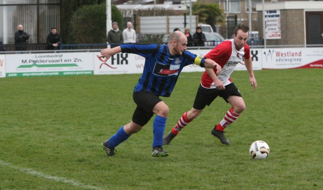 Jesper Lakerveld scoorde bij GHVV '13 de 0-2, maar blesseerde zich ook aan een hamstring. * Archieffoto: Wil van Balen.