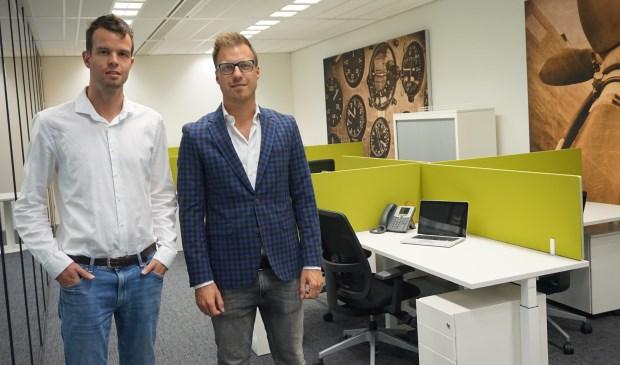 Jeroen Voorn (rechts), directeur van Vastelastenbesparing.nl