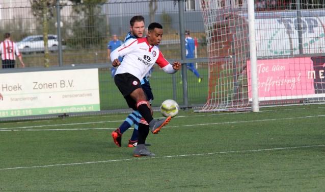Stevie Soares maakte een invalbeurt vol dreiging en assisteerde bij de 2-1 van Claudio Santos Silva. * Foto: Wil van Balen.