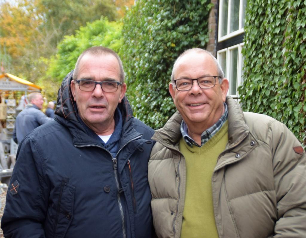 Twee broers die het erg naar hun zin hadden Foto: Leo Blok © GrootHellevoet.nl