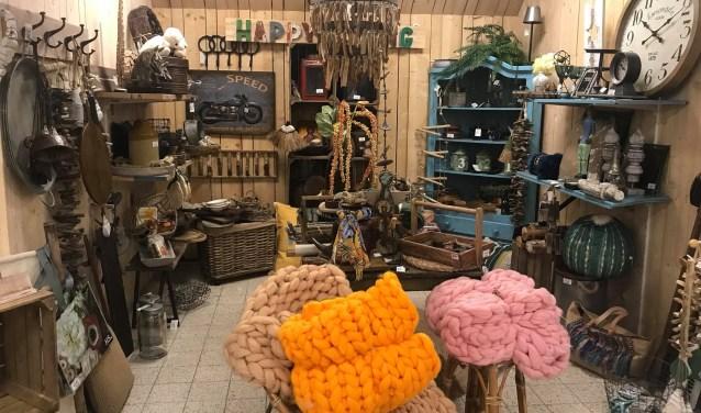 De winkel is dan extra geopend van 18.30 tot 21.00 uur. Tijdens de Ladies Night zijn er in samenwerking met de kraamhuurders een aantal leuke acties. Dat wordt dus gezellig shoppen bij Jouw Marktkraam Ouddorp.