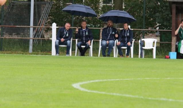 Na regen komt zonneschijn voor de staf van OVV: tegen Oud-Beijerland werd de derde zege op rij geboekt (Archieffoto: Wil van Balen)