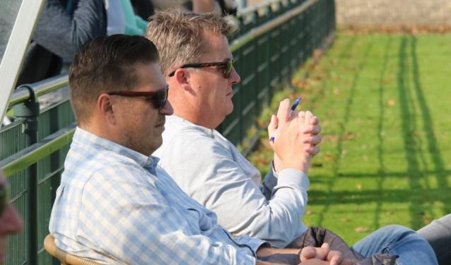 Assistent Richard Venneker (l) en trainer Harry Rusken zagen hoe Rockanje de tweede seizoenszege boekte (Archieffoto: Wil van Balen)