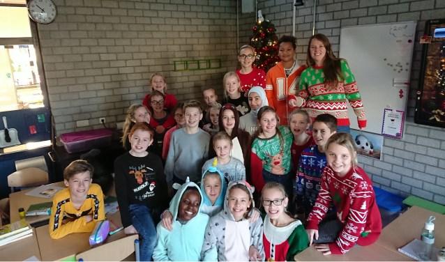 Foute Kersttrui C En A.Groep 8 In Een Foute Kersttrui Grootnissewaard Nl