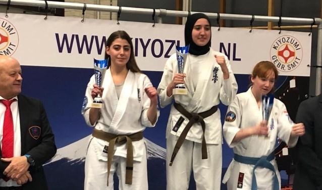 Emma van de Hul (links) eindigde op een mooie 2e plaats.