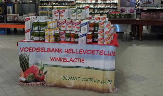 De rekken van de Voedselbank zijn weer gevuld