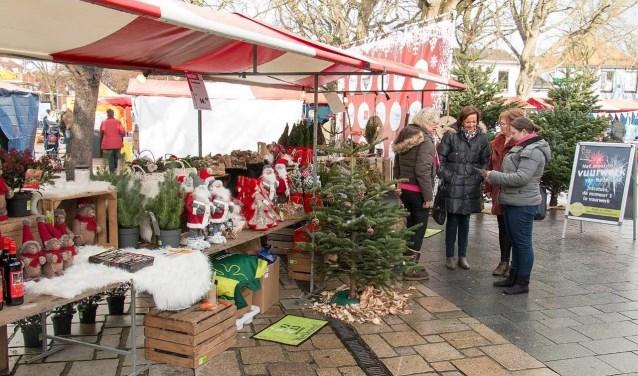 De kerstmarkt is zaterdag geopend van 10.00 tot 17.00 uur en zondag van 12.00 tot 17.00 uur.