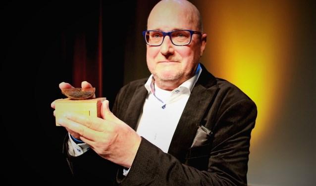 Naamgever Johan Veenstra met de Cultuurprijs