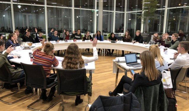De Jongerenraad Westland had 27 november haar eerste vergadering.
