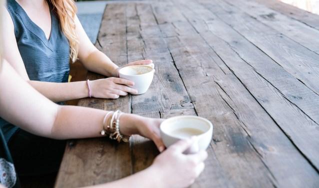 Een kopje koffie samen is toch heel anders dan een kopje koffie alleen...