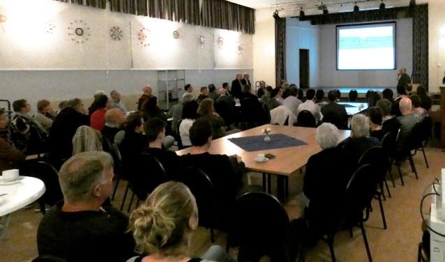 Het Stadsoverleg (dorpsraad Stad aan het Haringvliet) organiseerde op 5 maart een goedbezochte bijeenkomst in dorpshuis 't Trefpunt.