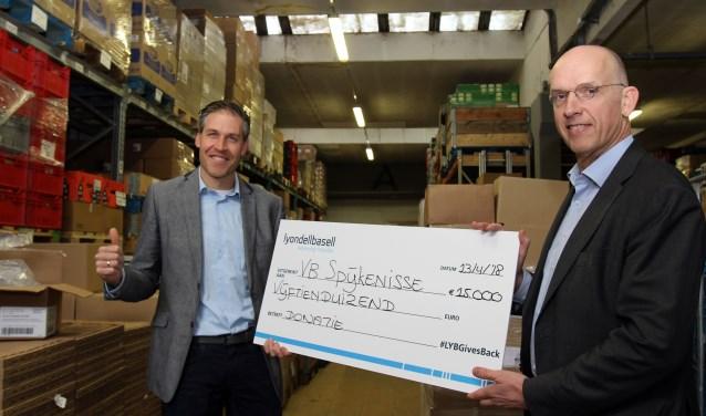 De voedselbank is blij met de donatie van LyondellBasell.
