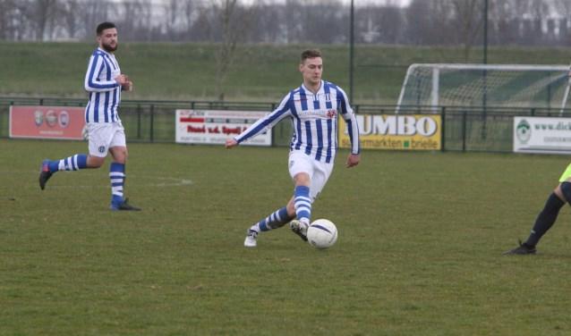 Danny van der Spuij scoorde twee keer voor Zwartewaal. * Foto: Wil van Balen.