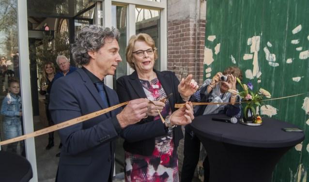 Na de verbouwing mocht officieel het lint worden doorgeknipt