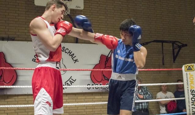 Vele liefhebbers genoten van de partijen op het gala van Boxing Godschalk in Zwartewaal. * Foto: Wil van Balen.
