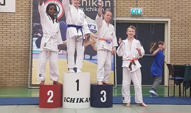 Joey Lillis (3) en Sander de Jong (4) weerden zich goed namens JC Ichikan.