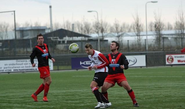 Alexander van Dommelen opende de score voor Brielle in de uitwedstrijd bij Nieuw-Lekkerland. * Archieffoto: Wil van Balen.