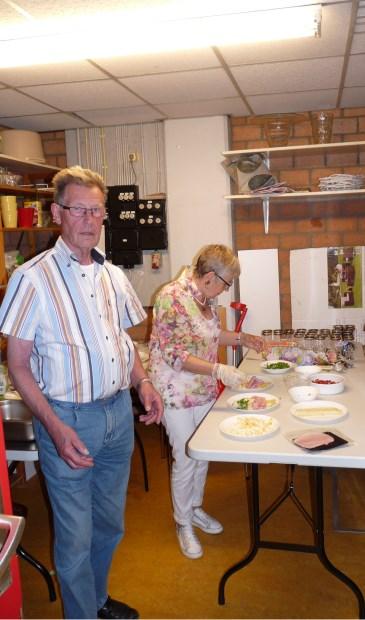 Mart Wit nam het initiatief tot de gezamenlijke maaltijd.