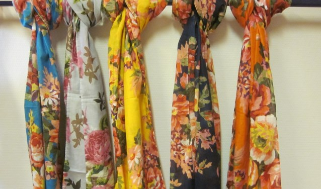 De sjaals zijn niet alleen prachtig, ze zijn ook handgemaakt en fairtrade