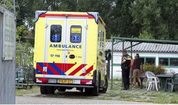 De ambulance arriveert aan de Atalanta
