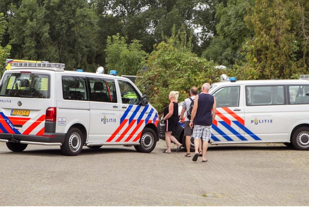 Ook de politie was snel bij het ongeval  © GrootHellevoet.nl