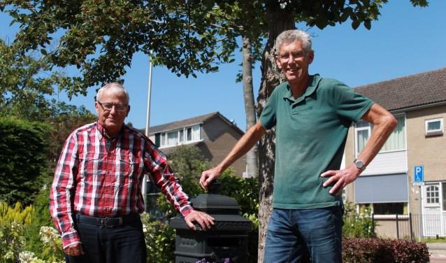 Rico de Grave (l) en Nico Enthoven, secretaris Voorne Atletiek (r)