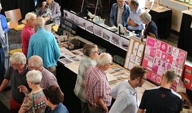 De expositie 'Oostvoorne in vroeger tijden' keert na een jaar van afwezigheid volgende week weer terug in de dorpskerk van Oostvoorne.
