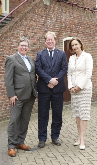 Burgemeesters Rensen, de Jong en Junius
